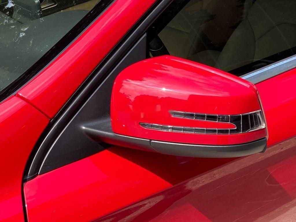 Bán Mercedes GLA 200  Facelift đời 2017, màu đỏ, xe nhập (5)