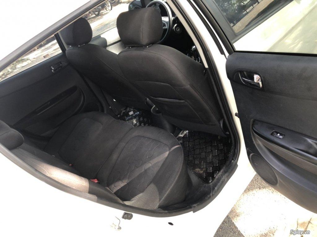 Bán Hyundai i20 đời 2011, màu trắng (3)