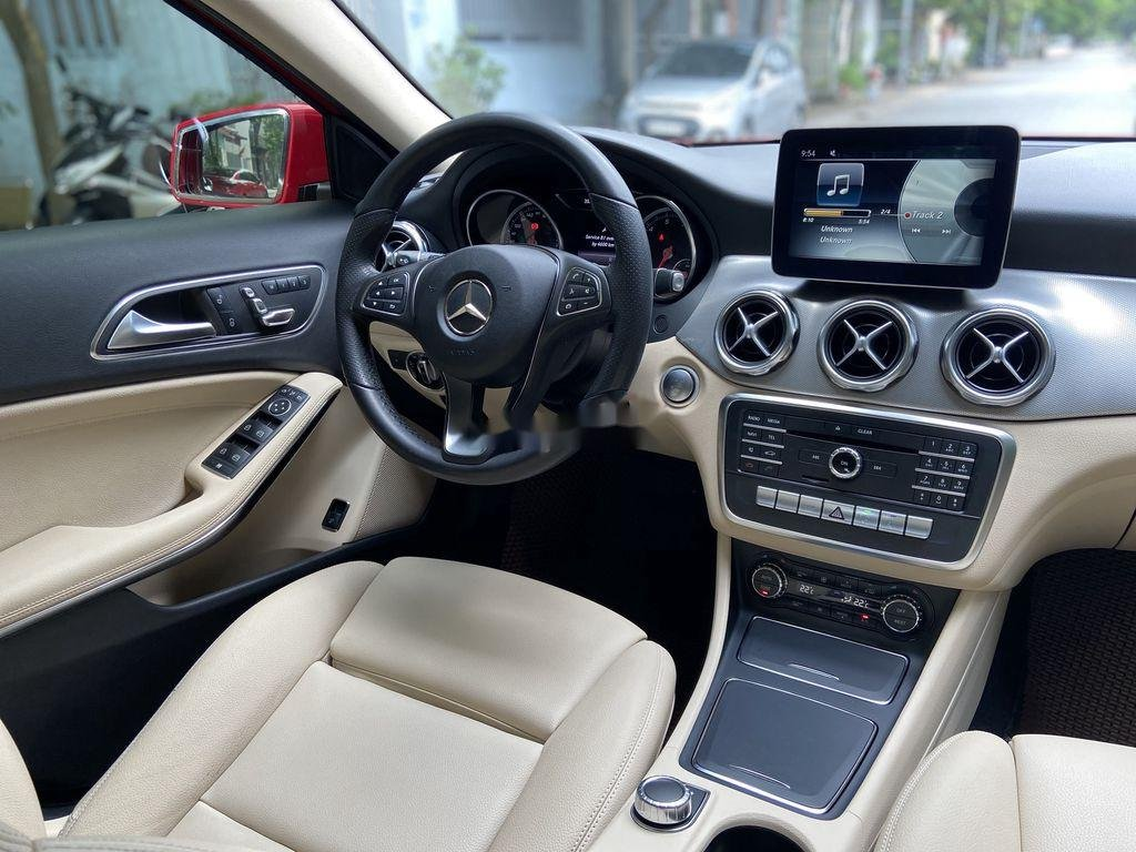 Bán Mercedes GLA 200  Facelift đời 2017, màu đỏ, xe nhập (10)