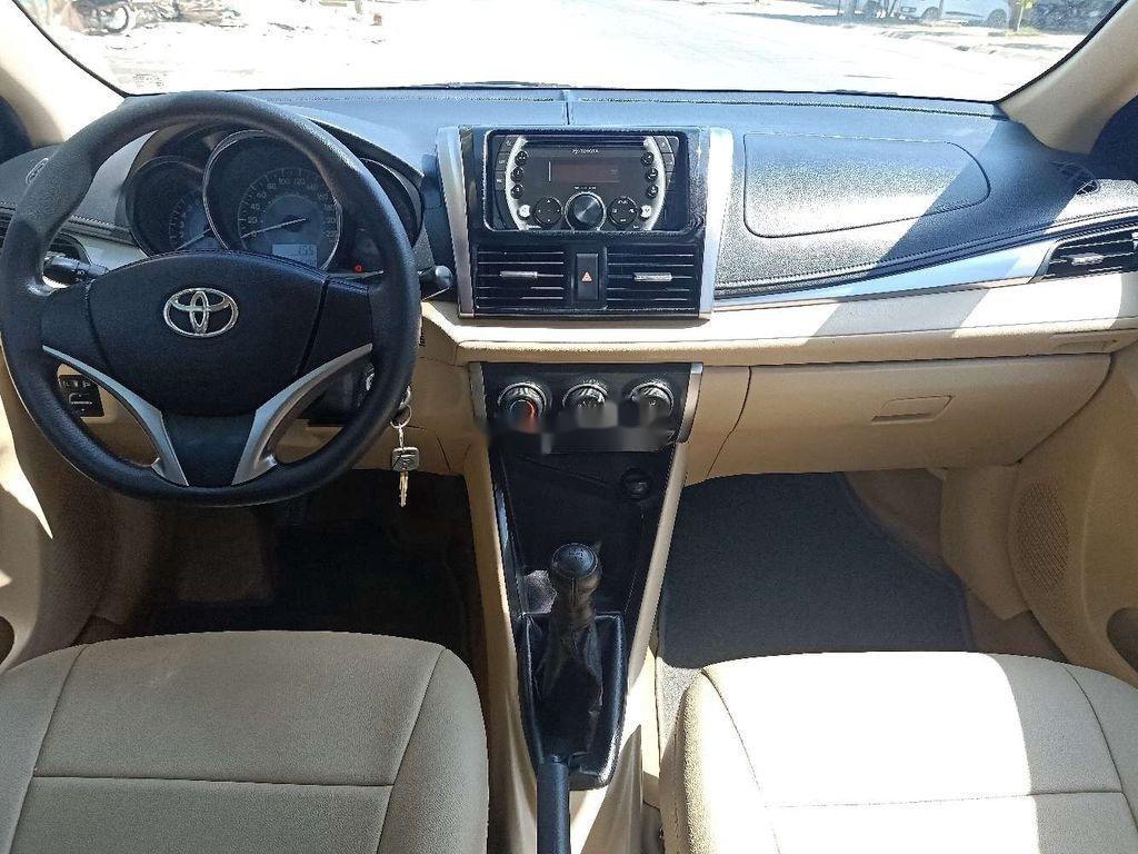 Bán Toyota Vios 1.5E đời 2018, màu trắng số sàn, đẹp xuất sắc (6)