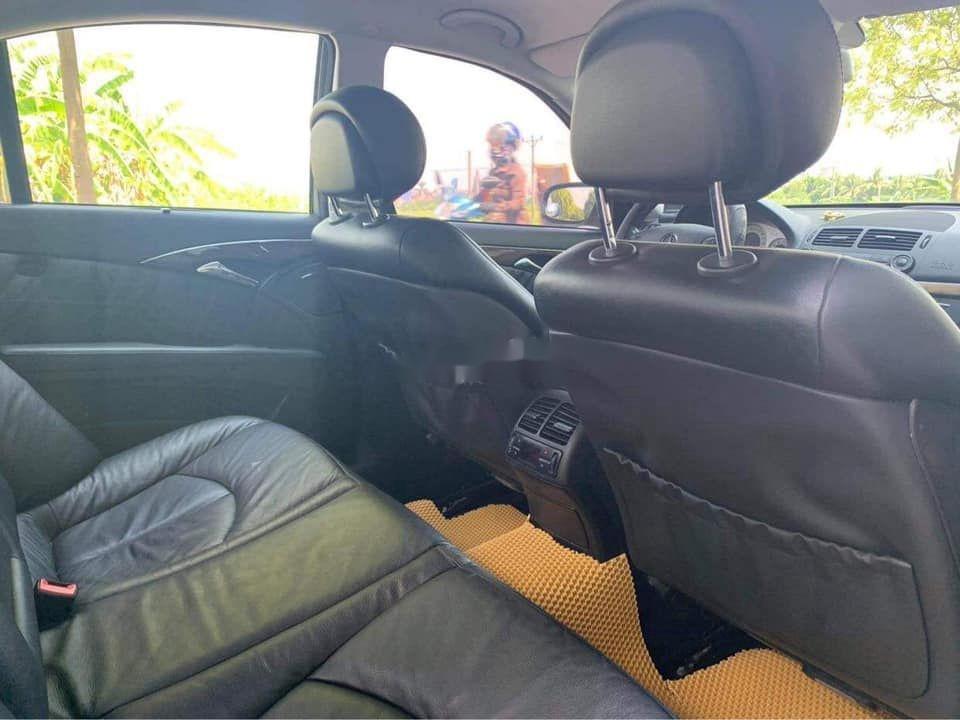 Gia đình bán Mercedes E200 đời 2007, màu đen  (10)