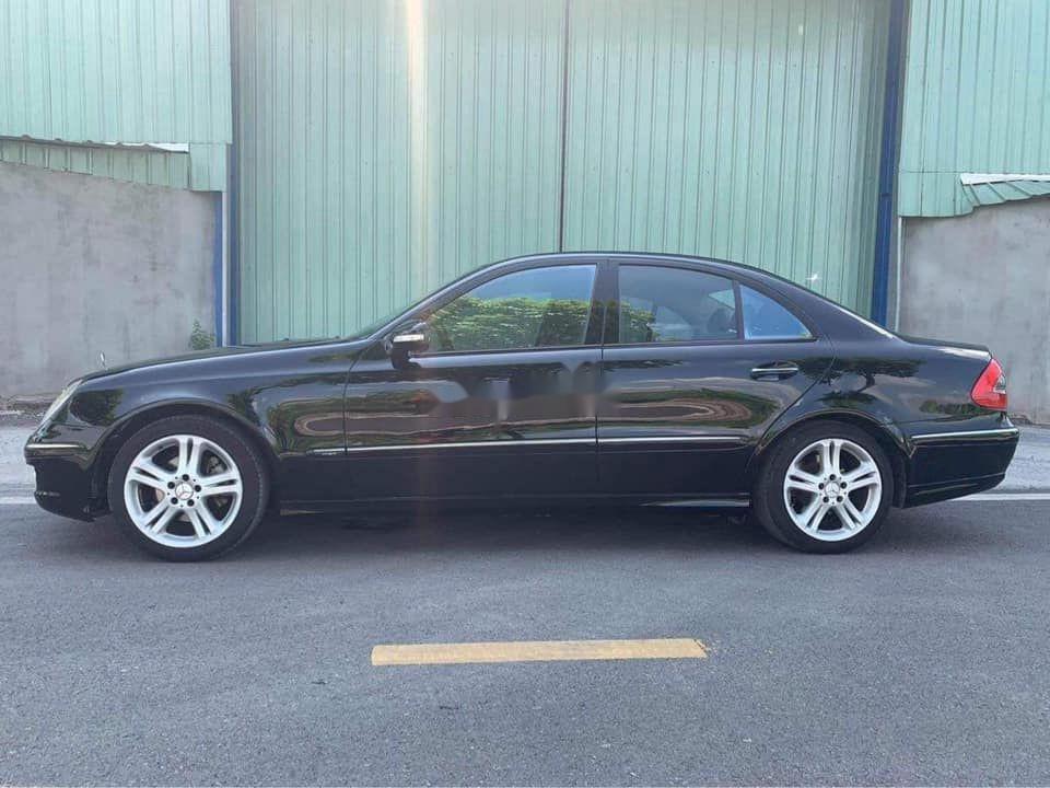 Gia đình bán Mercedes E200 đời 2007, màu đen  (5)