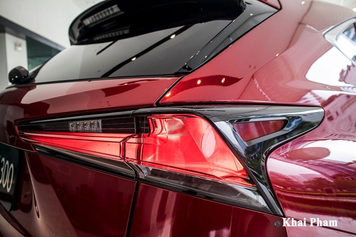 Thiết kế đuôi xe Lexus NX 1.