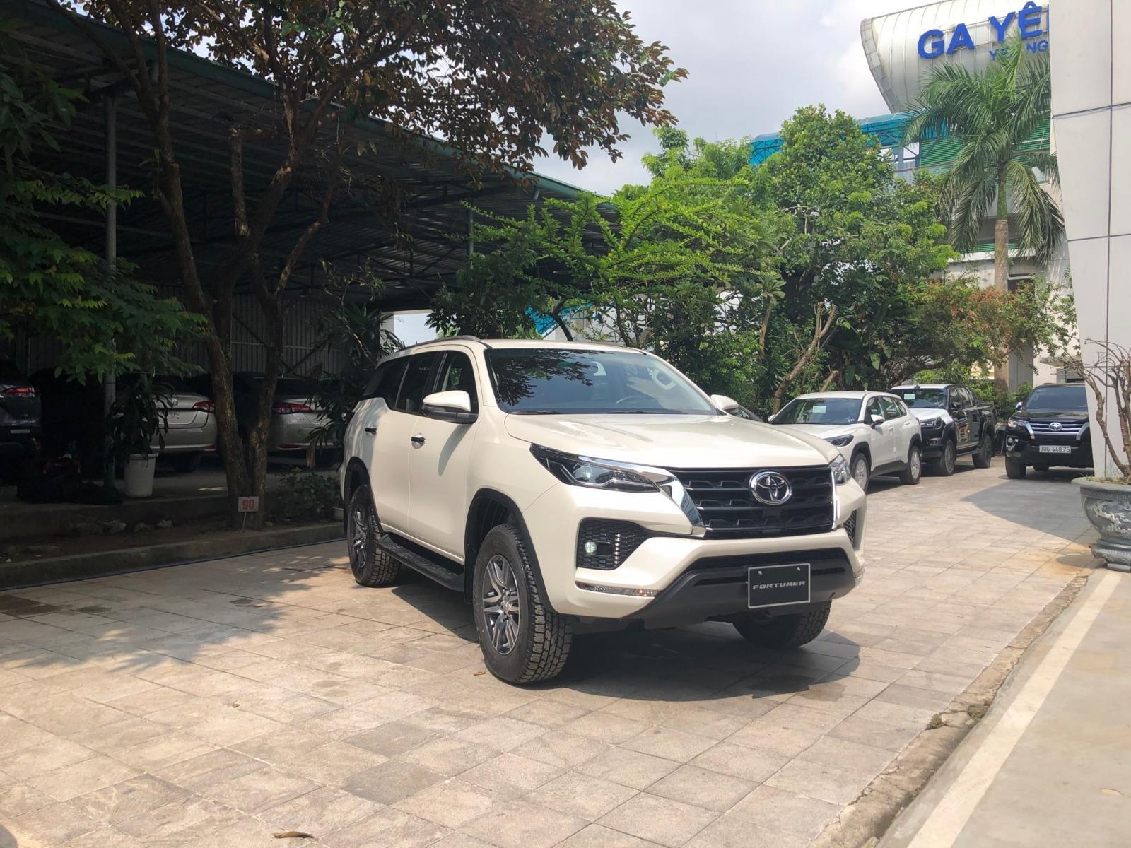 Toyota Fortuner 2020 ra mắt thị trường Việt với nhiều nâng cấp mới a8