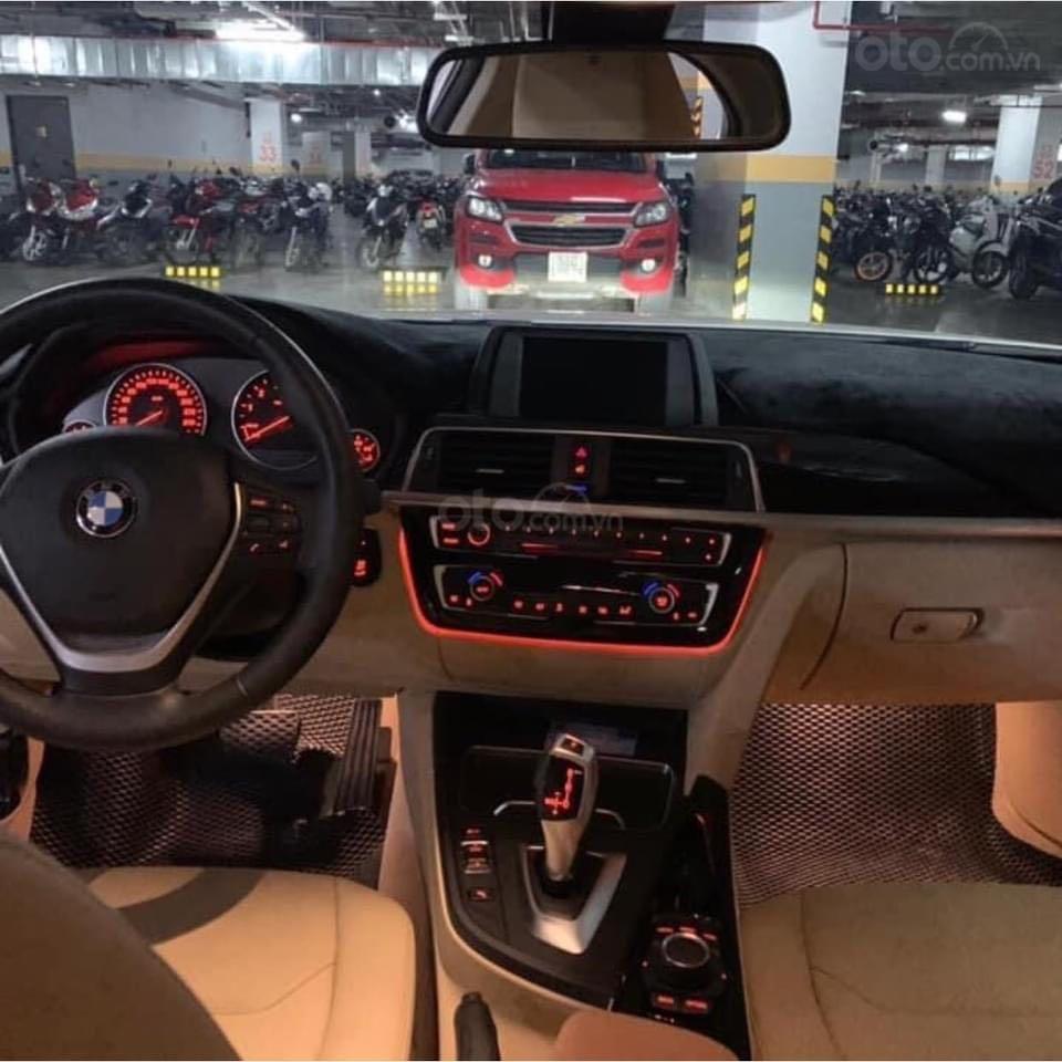 Bán BMW 3 Series 320 LCI đời 2016, màu trắng, xe nhập chính chủ (6)