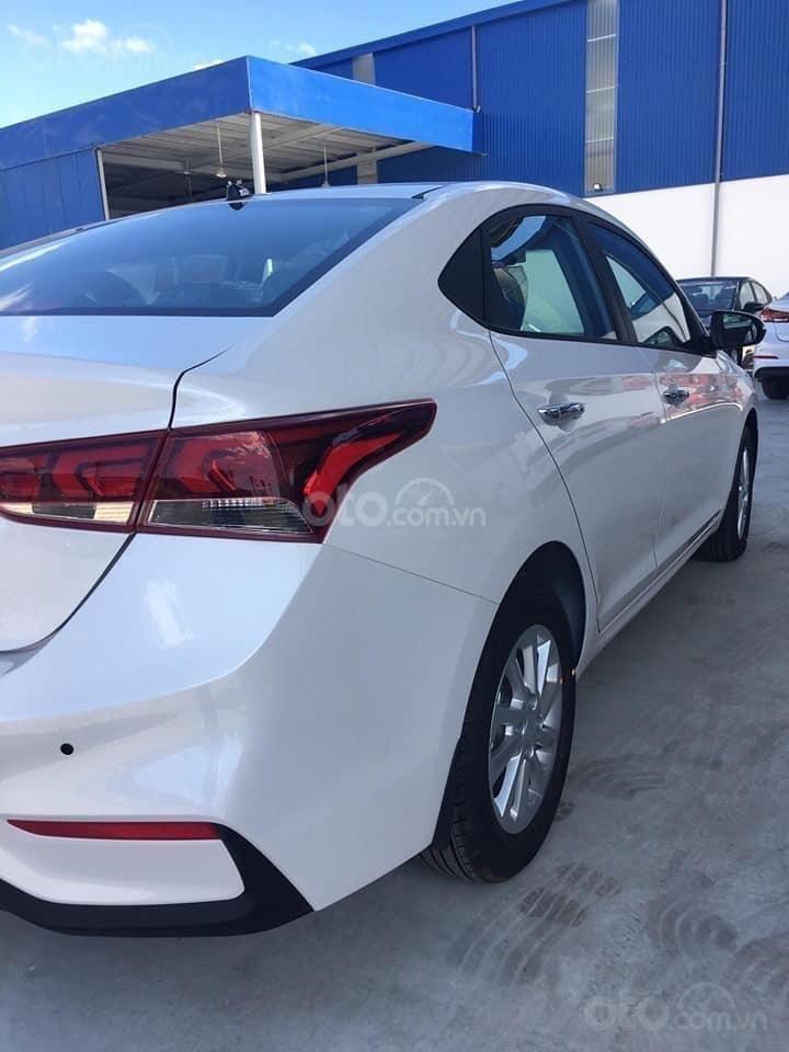 Hyundai Ngọc An bán Hyundai Accent giá tốt, góp 90%, đủ màu xe giao ngay, tặng tiền mặt, giá tốt nhất miền Nam (5)