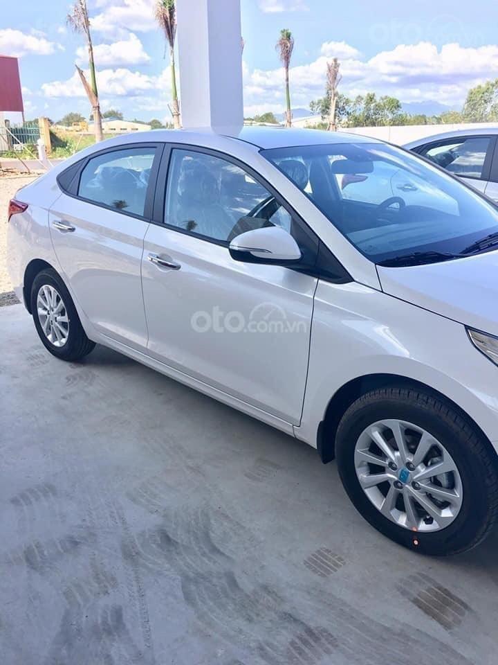 Hyundai Ngọc An bán Hyundai Accent giá tốt, góp 90%, đủ màu xe giao ngay, tặng tiền mặt, giá tốt nhất miền Nam (2)