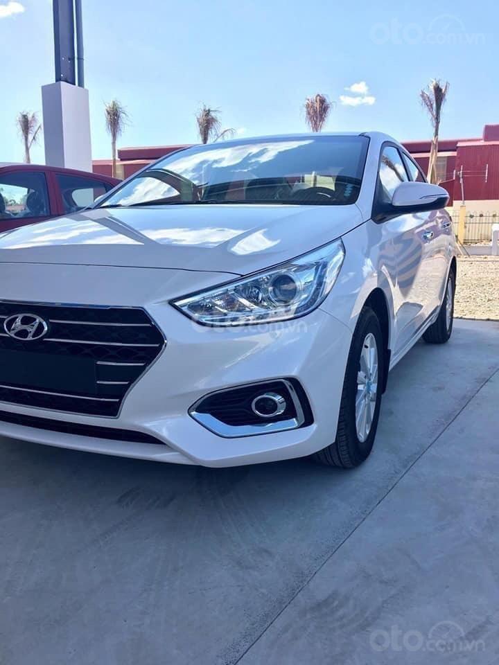 Hyundai Ngọc An bán Hyundai Accent giá tốt, góp 90%, đủ màu xe giao ngay, tặng tiền mặt, giá tốt nhất miền Nam (6)