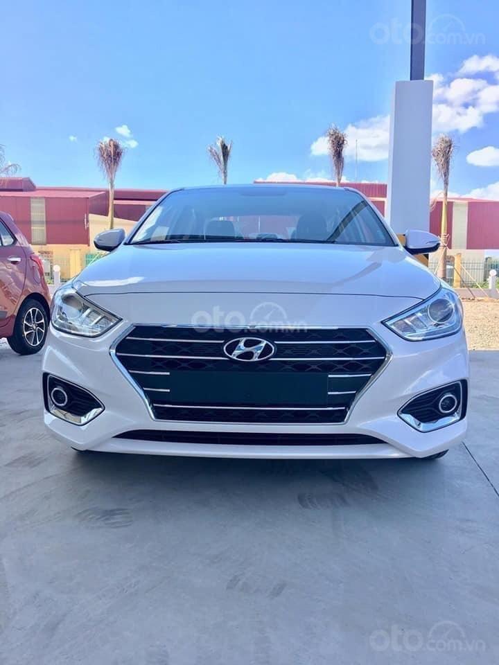 Hyundai Ngọc An bán Hyundai Accent giá tốt, góp 90%, đủ màu xe giao ngay, tặng tiền mặt, giá tốt nhất miền Nam (1)
