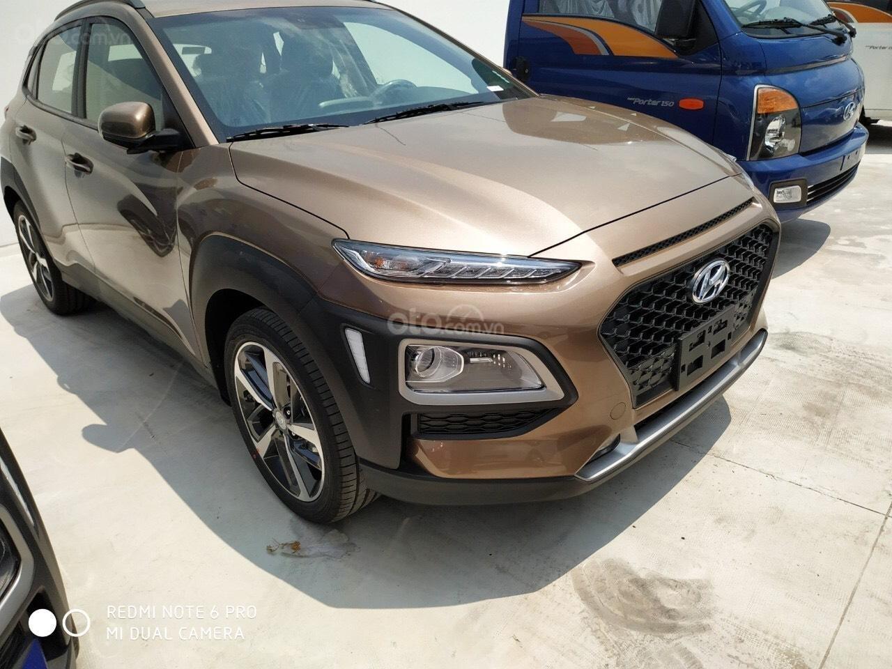 Hyundai Ngọc An bán Hyundai Santa Fe giá tốt, góp 90%, xe đủ màu giao ngay, tặng tiền mặt phụ kiện giá tốt nhất miền Nam (4)