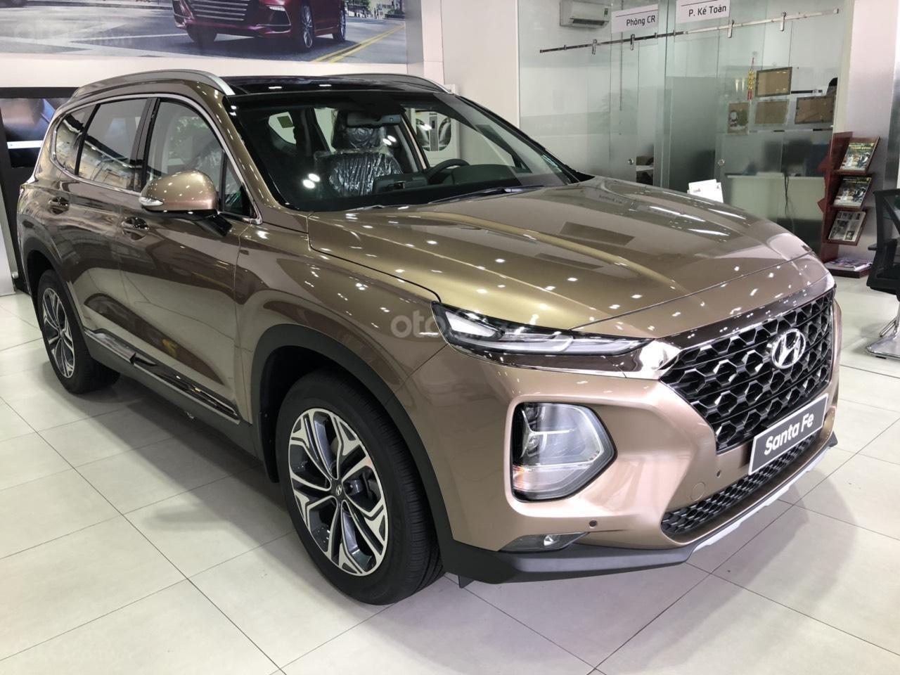 Hyundai Ngọc An bán Hyundai Santa Fe giá tốt, góp 90%, xe đủ màu giao ngay, tặng tiền mặt phụ kiện giá tốt nhất miền Nam (9)
