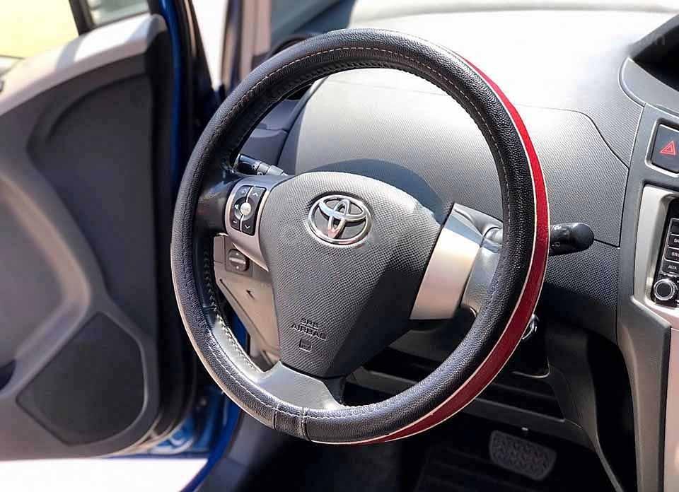 Bán Toyota Yaris 1.3 AT sản xuất 2010, màu xanh lam, nhập khẩu chính chủ (2)