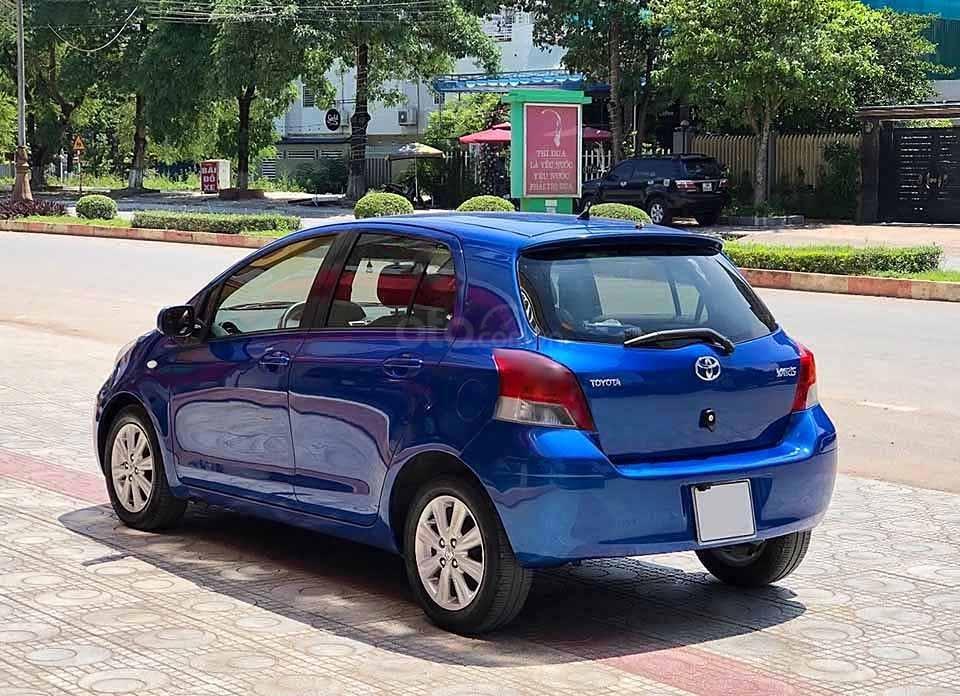 Bán Toyota Yaris 1.3 AT sản xuất 2010, màu xanh lam, nhập khẩu chính chủ (3)