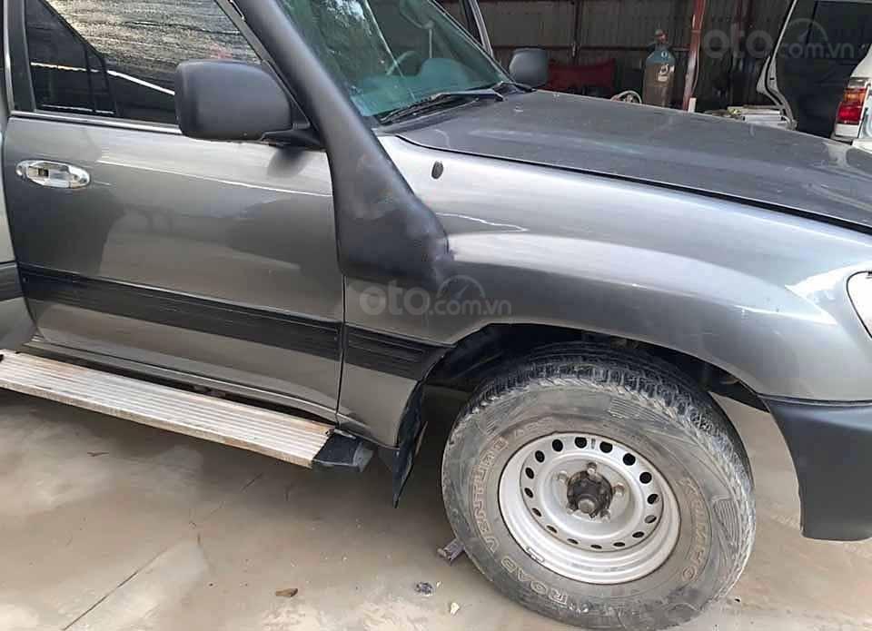Bán ô tô Toyota Land Cruiser đời 2001, màu xám, nhập khẩu, giá tốt (3)