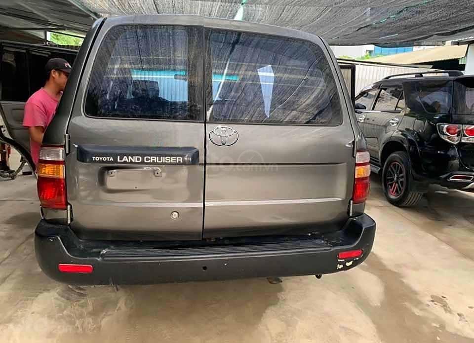 Bán ô tô Toyota Land Cruiser đời 2001, màu xám, nhập khẩu, giá tốt (4)