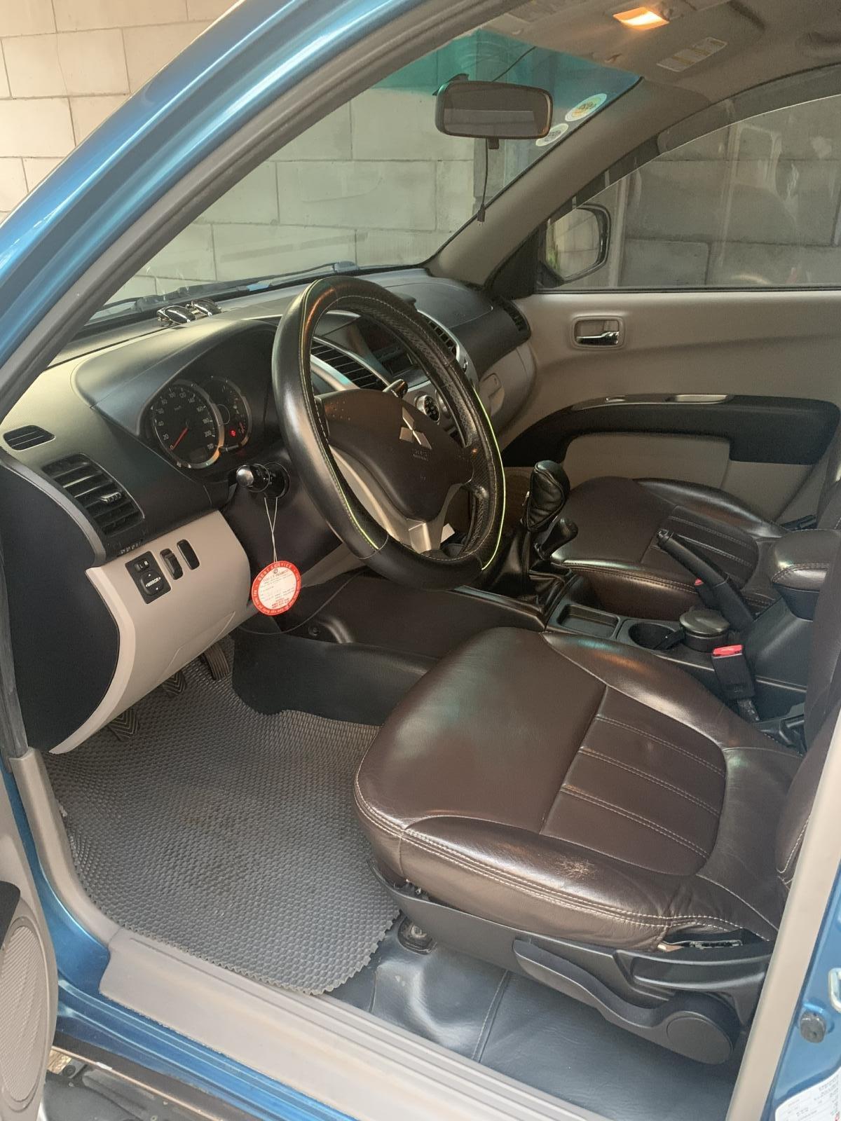 Bán Mitsubishi Triton sản xuất năm 2009, màu xanh lam, nhập khẩu còn mới (4)