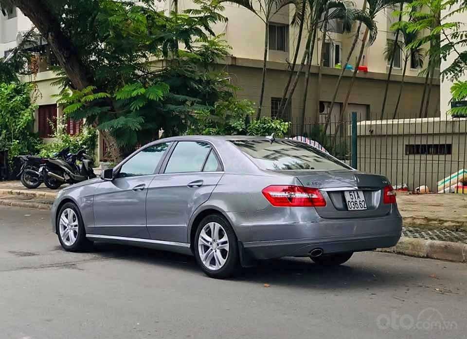 Bán Mercedes E250 năm sản xuất 2010, màu xám chính chủ, 599tr (4)