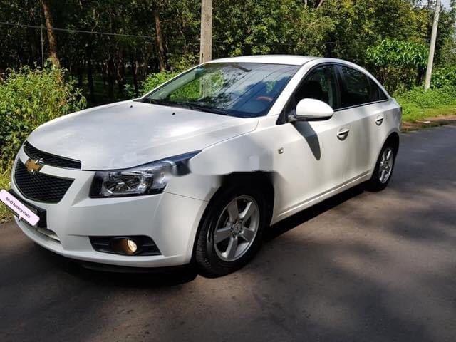 Bán Chevrolet Cruze sản xuất 2013, màu trắng, 280 triệu (1)