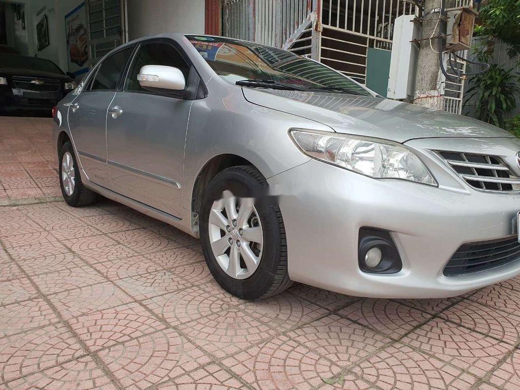 Bán xe Toyota Corolla Altis sản xuất 2010, giá thấp, xe còn mới (1)
