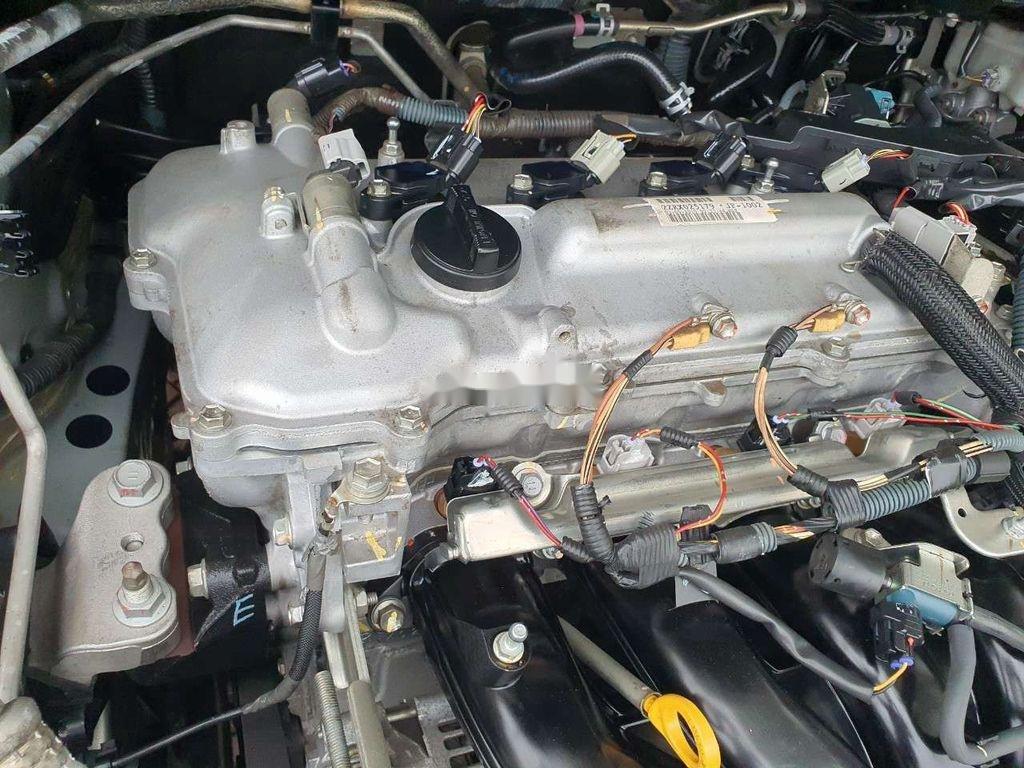 Bán xe Toyota Corolla Altis sản xuất 2010, giá thấp, xe còn mới (12)