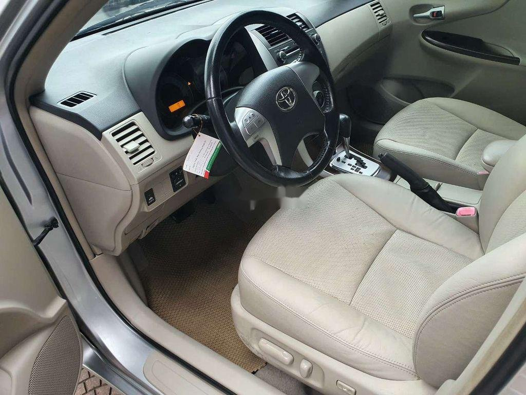 Bán xe Toyota Corolla Altis sản xuất 2010, giá thấp, xe còn mới (9)