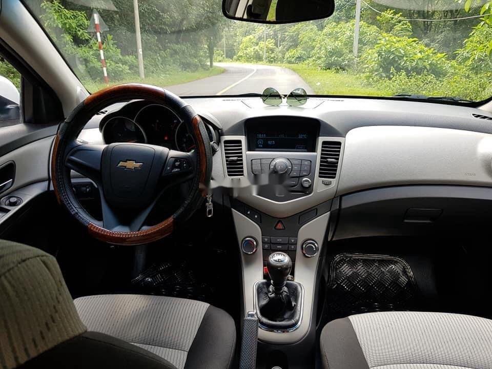 Bán Chevrolet Cruze sản xuất 2013, màu trắng, 280 triệu (2)