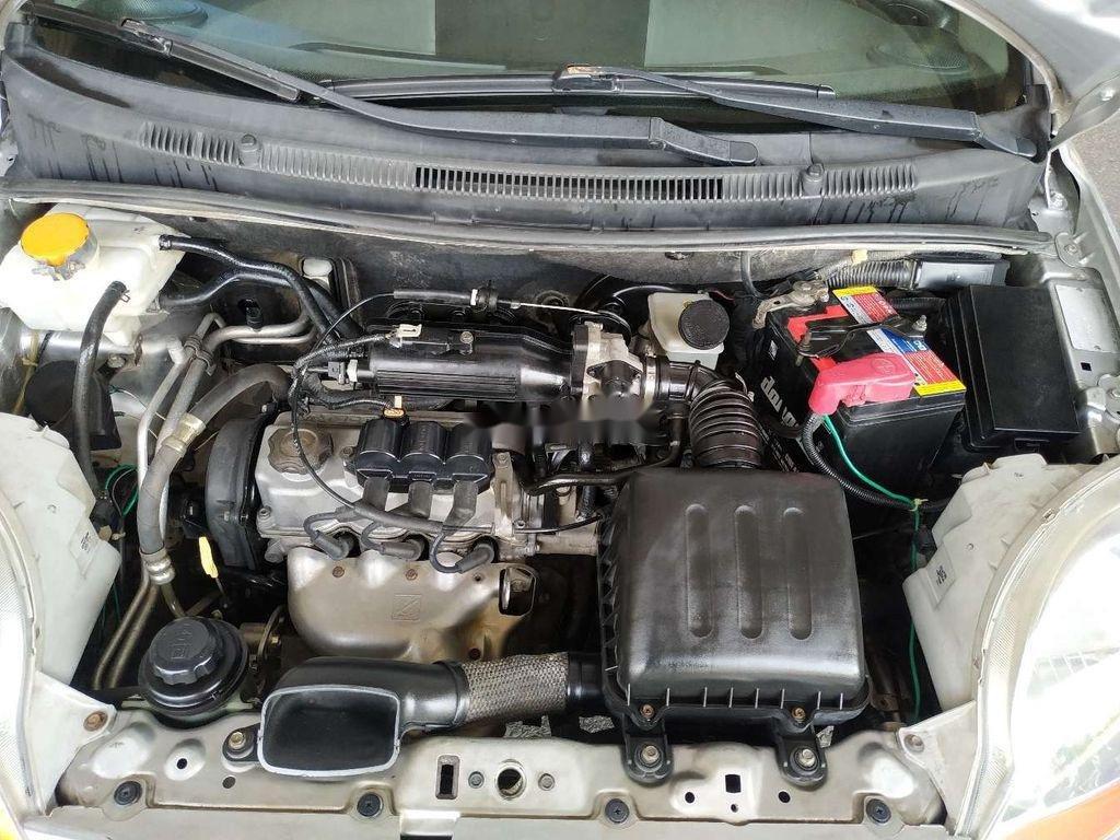 Bán Chevrolet Spark năm 2011, màu bạc, số sàn, giá chỉ 118 triệu (6)