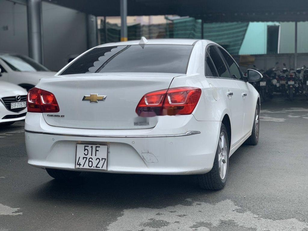 Xe Chevrolet Cruze sản xuất 2017 còn mới (4)