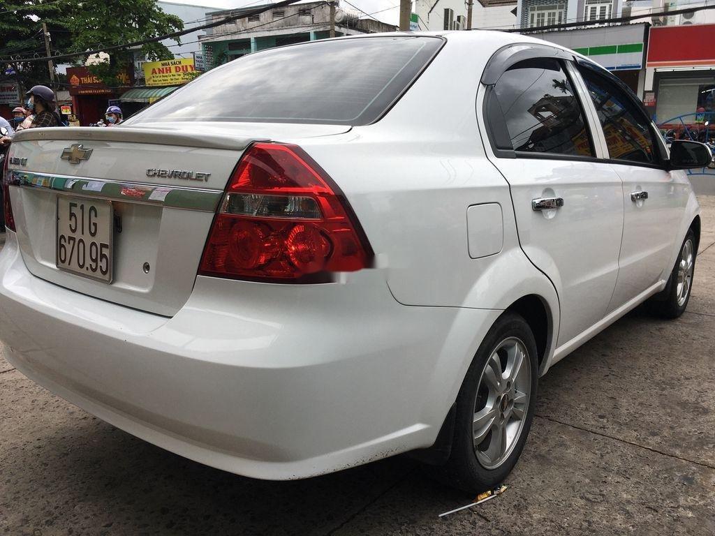 Cần bán lại xe Chevrolet Aveo năm 2018 còn mới (4)
