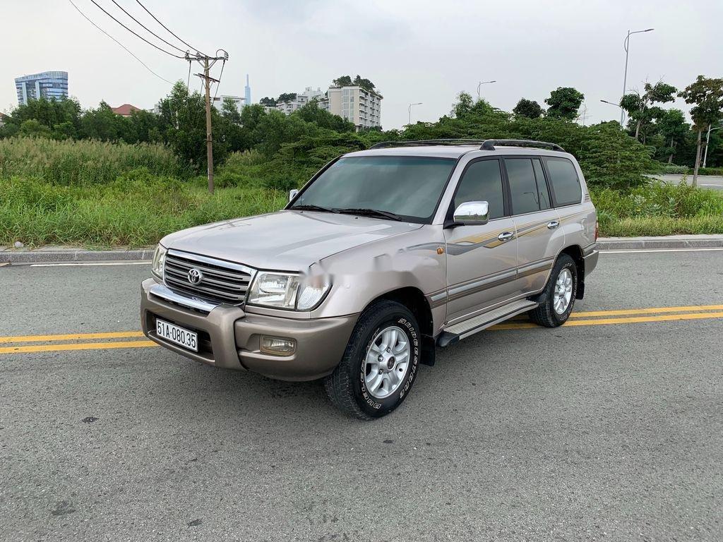 Cần bán lại xe Toyota Land Cruiser 2004, màu bạc (3)