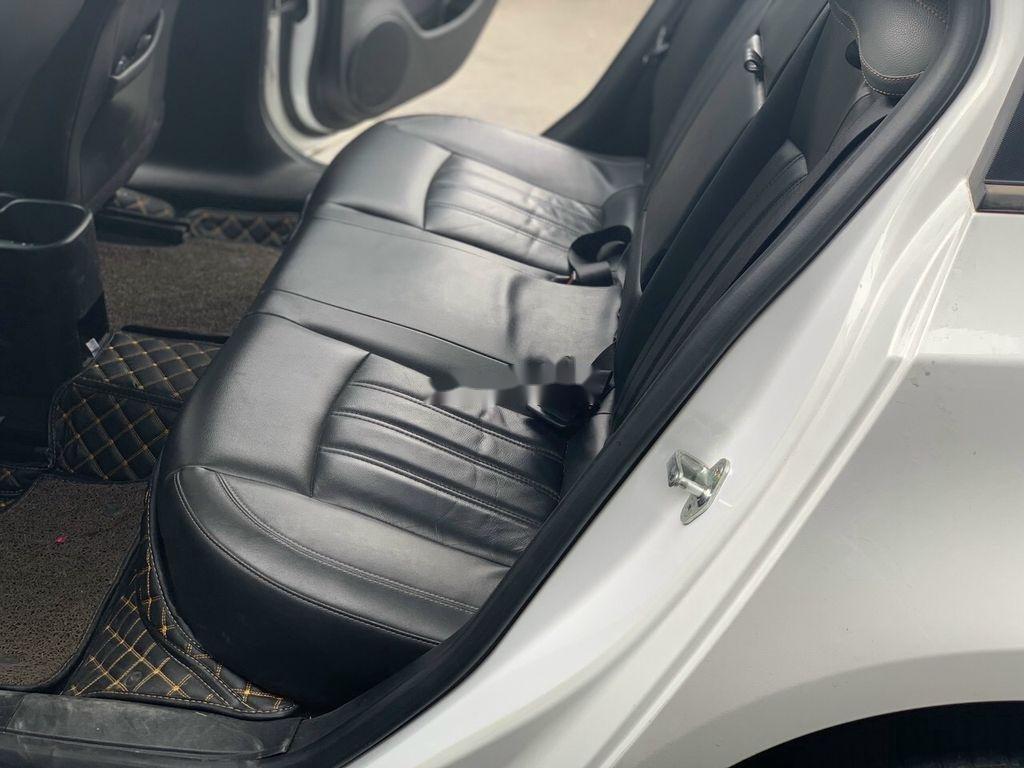 Xe Chevrolet Cruze sản xuất 2017 còn mới (6)