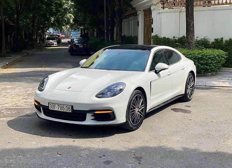 Bán xe Porsche Panamera 2.0 AT năm 2017, màu trắng, xe nhập (1)