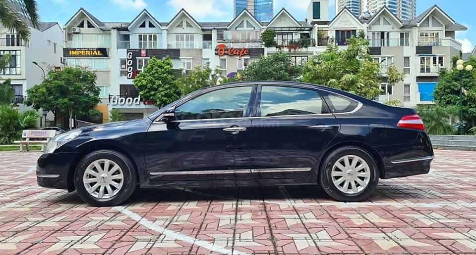 Cần bán lại xe Nissan Teana đời 2010, màu đen số tự động (3)