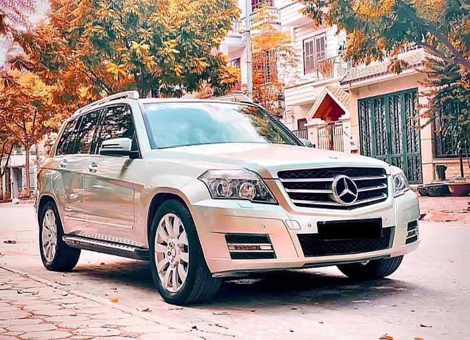 Cần bán xe Mercedes GLK300 năm sản xuất 2010, màu xanh lam  (1)