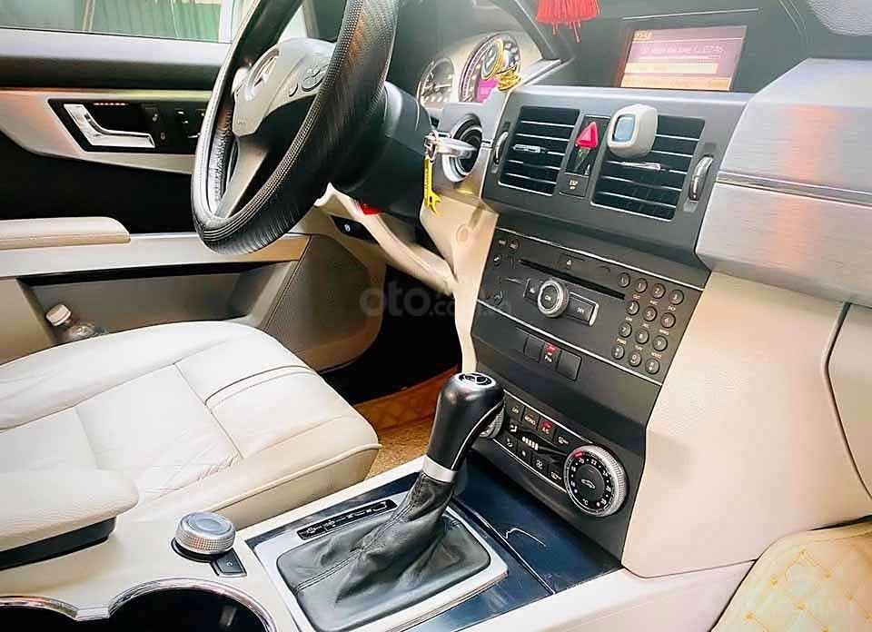 Cần bán xe Mercedes GLK300 năm sản xuất 2010, màu xanh lam  (3)