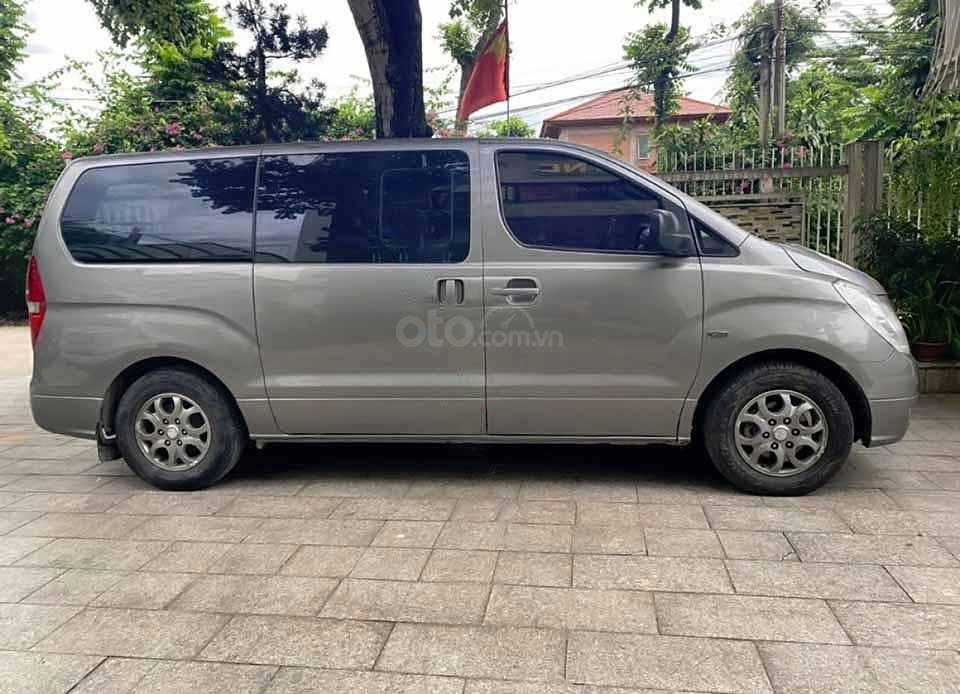 Cần bán Hyundai Grand Starex Van 2.5 AT năm 2008, màu xám, xe nhập còn mới  (3)
