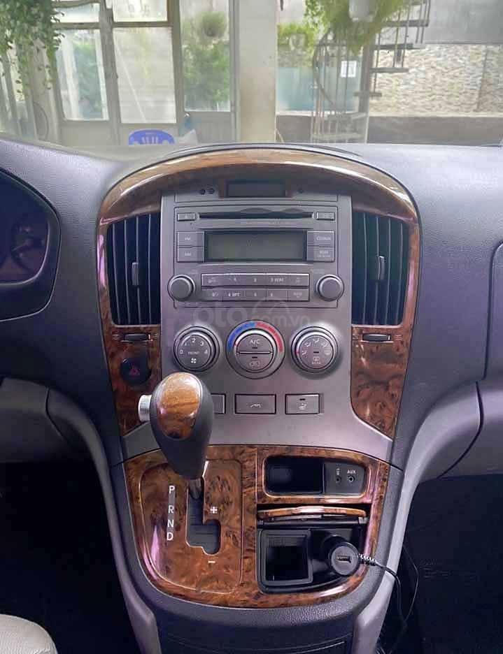 Cần bán Hyundai Grand Starex Van 2.5 AT năm 2008, màu xám, xe nhập còn mới  (2)