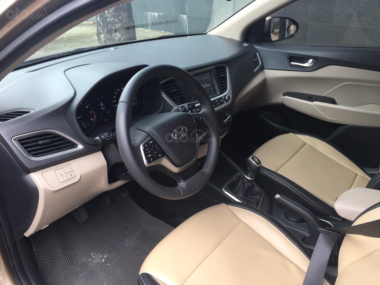 Hyundai Accent 2019 MT bản full, sơ cua chưa hạ (4)