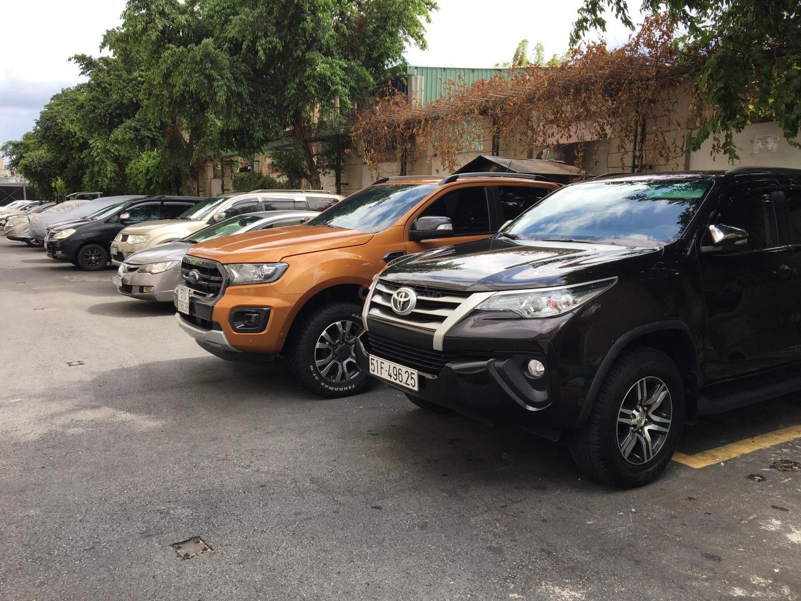 Chính chủ cần bán gấp Toyota Fortuner 2017, số sàn, giá mềm (3)