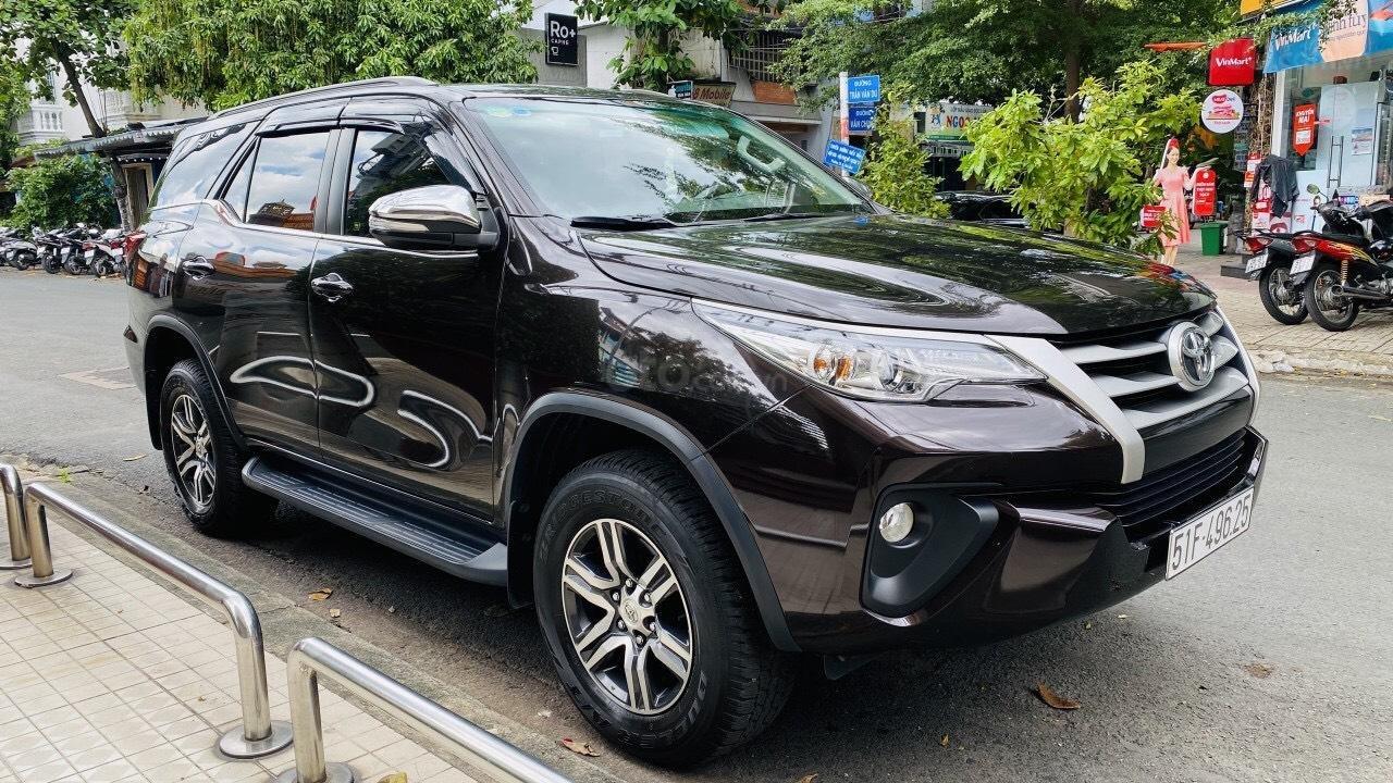 Chính chủ cần bán gấp Toyota Fortuner 2017, số sàn, giá mềm (8)