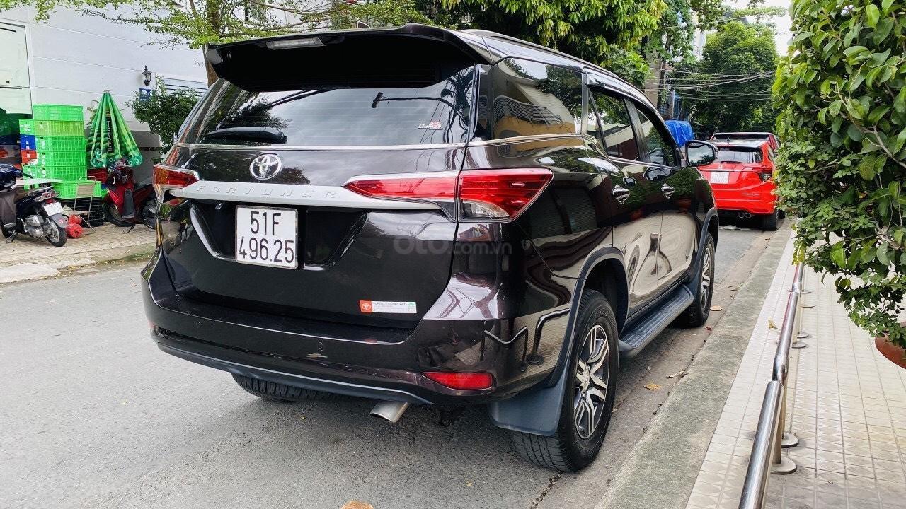 Chính chủ cần bán gấp Toyota Fortuner 2017, số sàn, giá mềm (9)