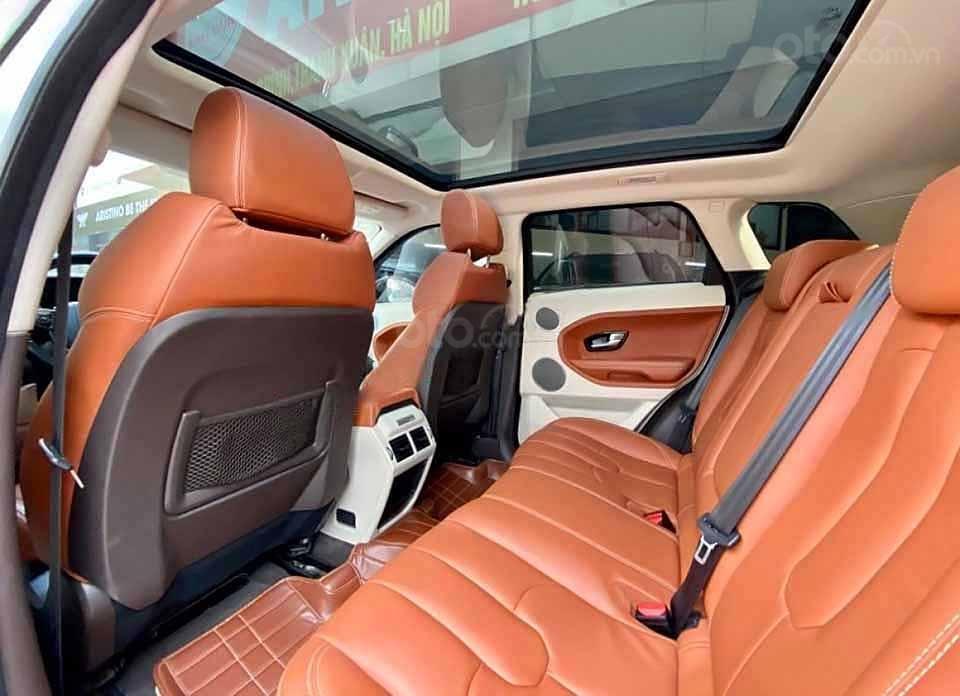 Cần bán lại xe LandRover Range Rover năm 2014, màu trắng, nhập khẩu còn mới (2)
