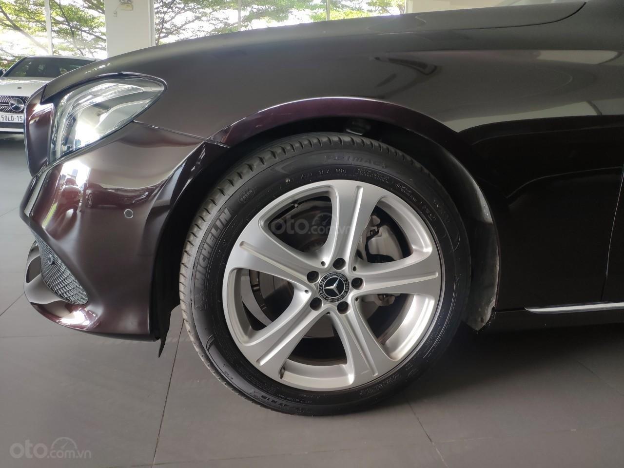 Bán xe Mercedes E250 giá cực tốt (4)