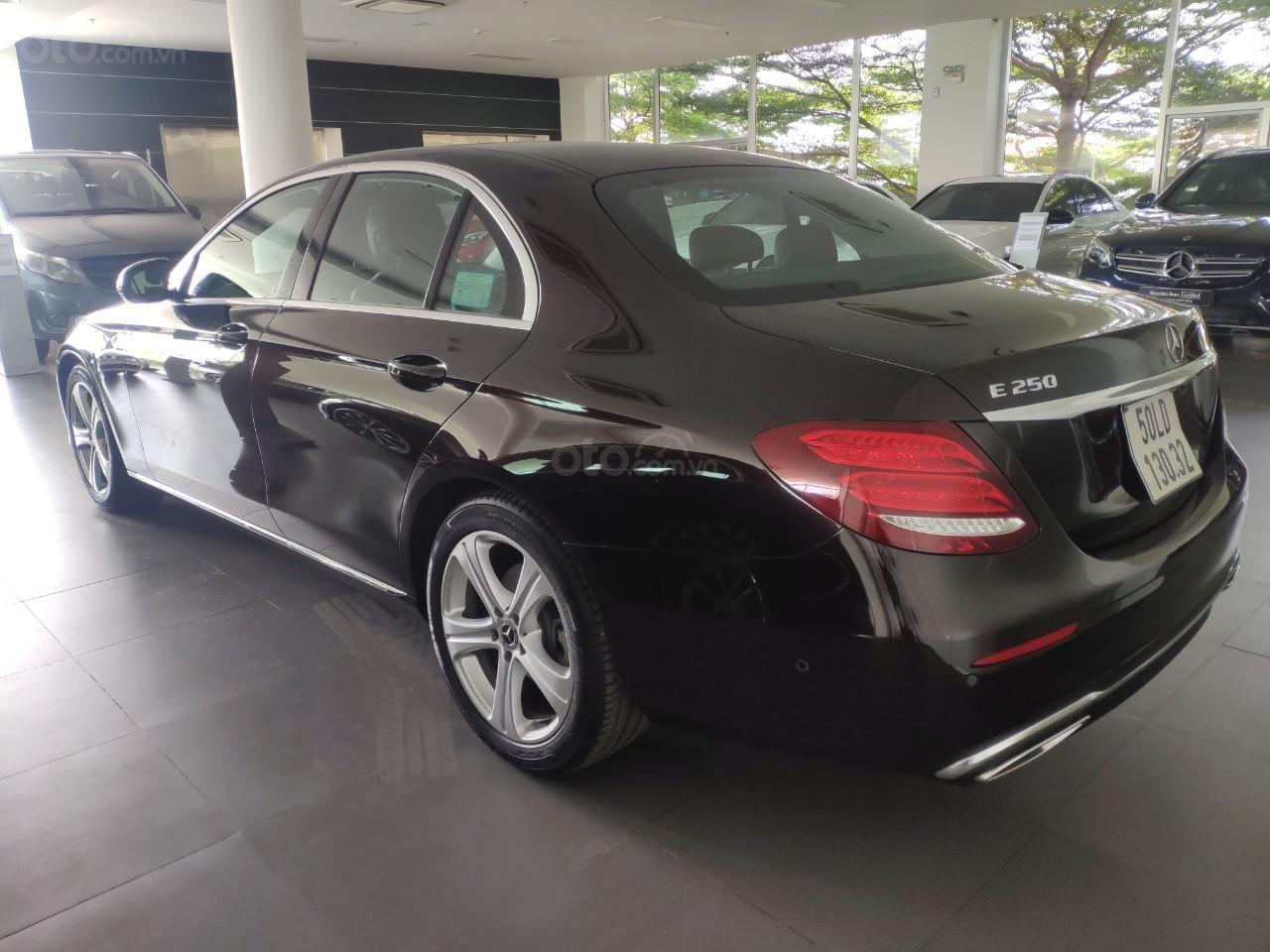 Bán xe Mercedes E250 giá cực tốt (10)