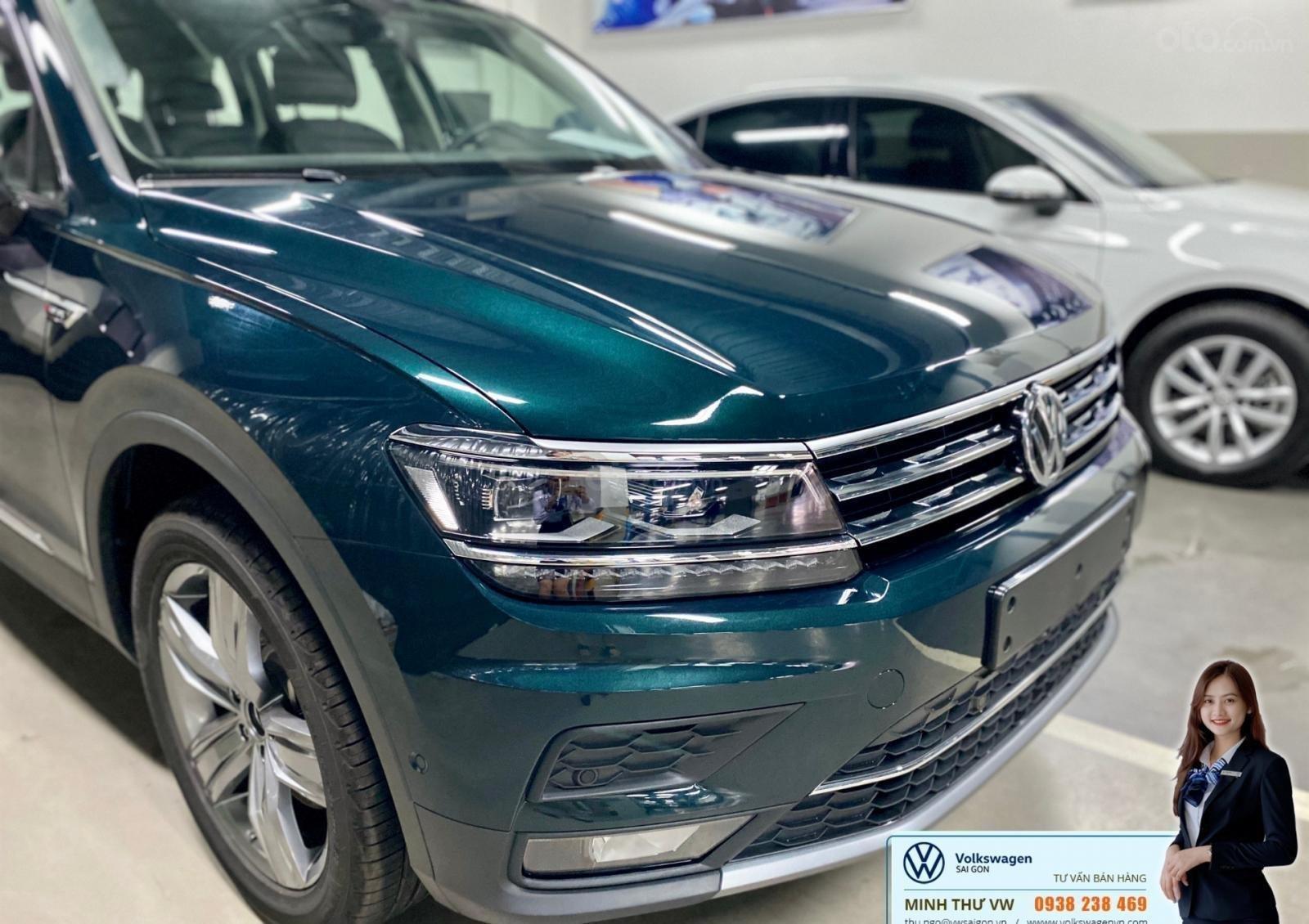 Xe Tiguan Luxury xanh rêu - khuyến mãi giá tốt - SUV 7 chỗ nhập khẩu (3)