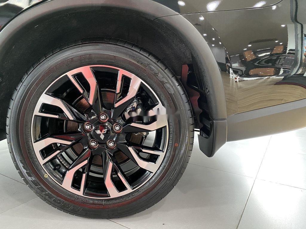 Bán xe Mitsubishi Outlander sản xuất năm 2020, màu đen, mới hoàn toàn (2)