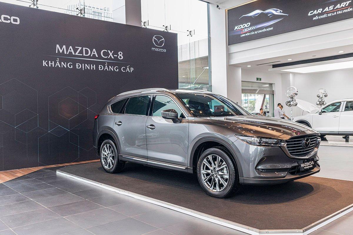 Mazda CX-8 Deluxe thêm gói trang bị hấp dẫn cho cả bản cũ và mới.