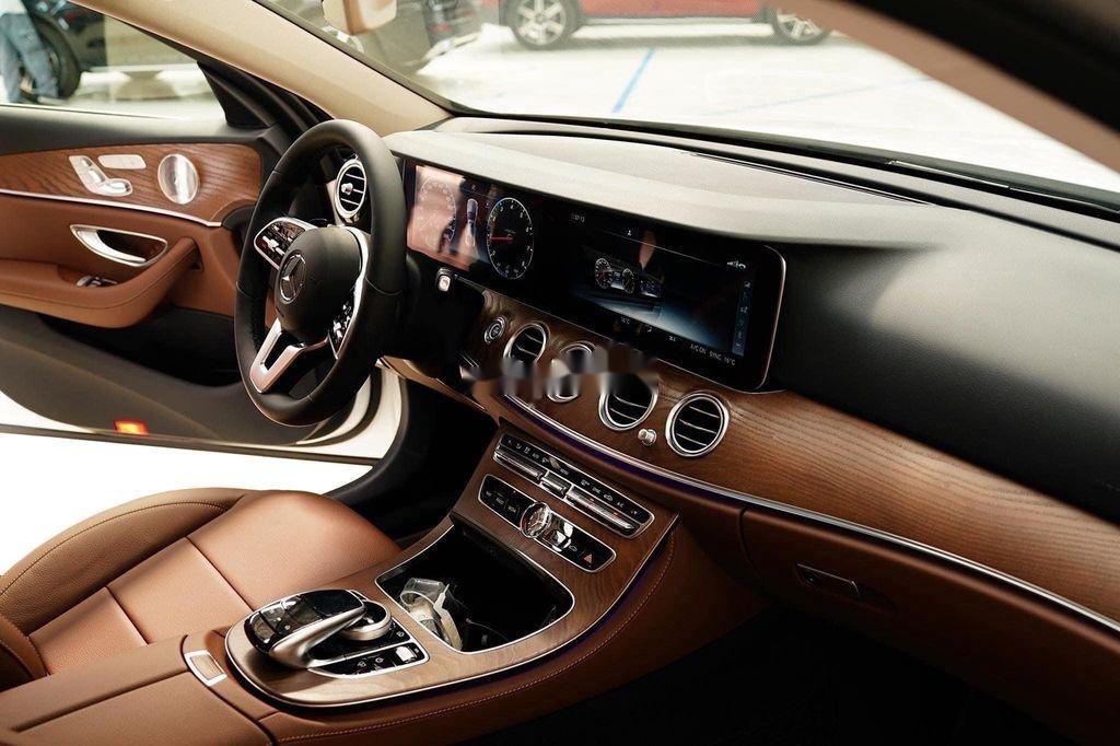 Bán xe Mercedes E200 Exclusive sản xuất 2020, màu trắng, mới hoàn toàn (7)