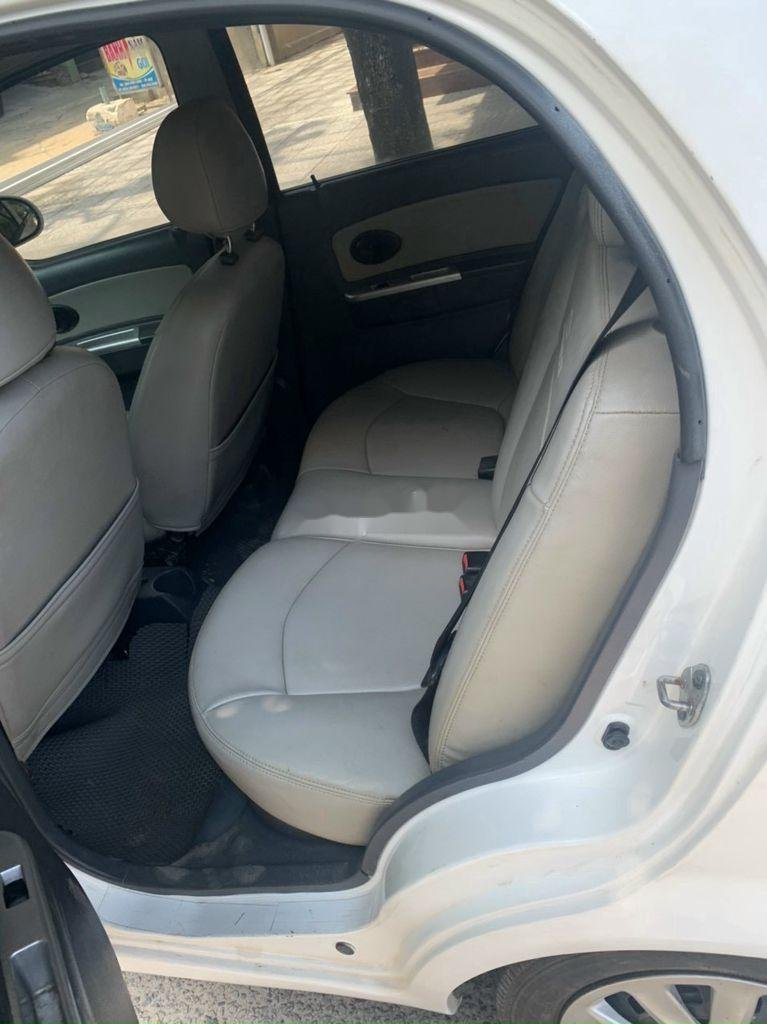 Cần bán Chevrolet Spark năm 2011 còn mới (4)