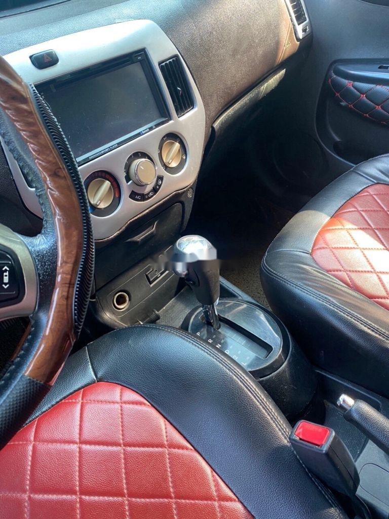 Bán Hyundai i20 sản xuất 2011, màu đỏ, nhập khẩu số tự động (6)